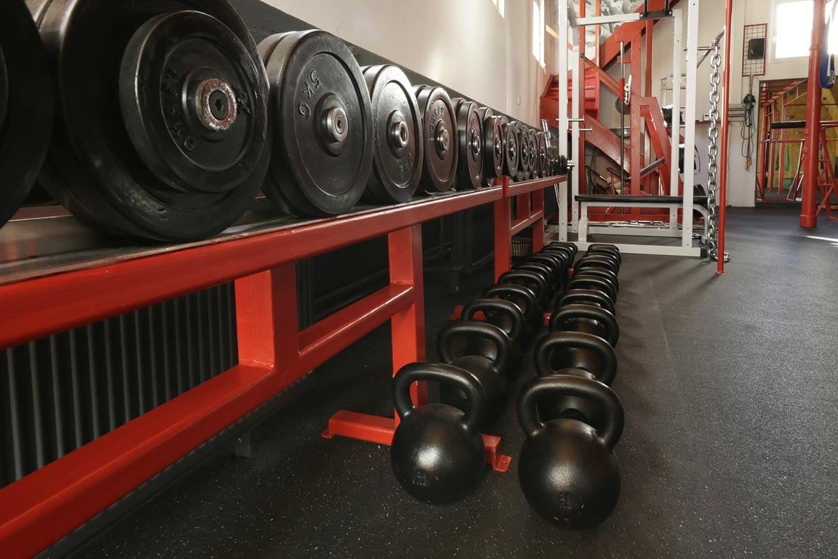 why heavy lifting won't cause bulk