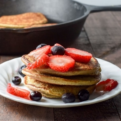 Banana Oat Pancakes – Incredibly Easy and Healthy!