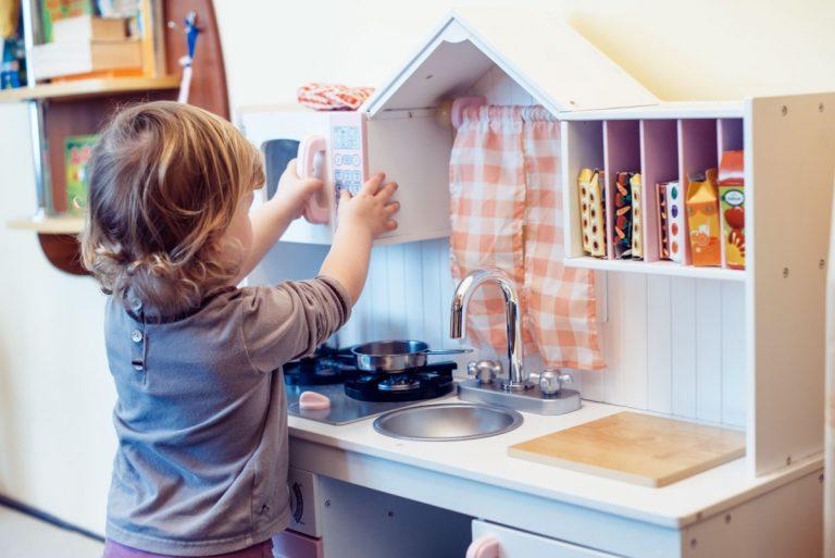 10 Best Toddler Kitchen Sets + Favorite Accessories